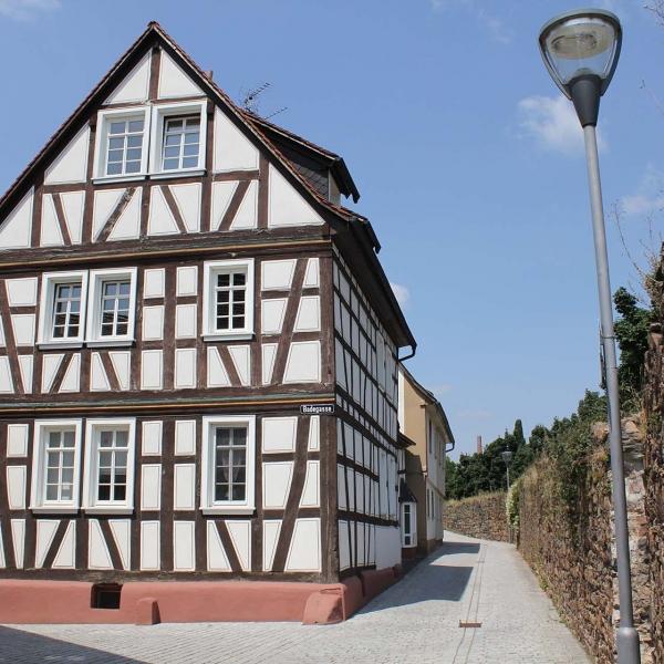 Sanierung Fachwerk-Wohnhaus an der Stadtmauer