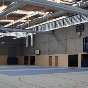 2-Feld-Sporthalle mit Vereinsbereich