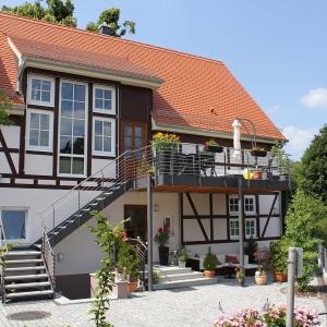Neubau 2-Fam.-Wohnhaus mit Einbeziehung einer Scheune