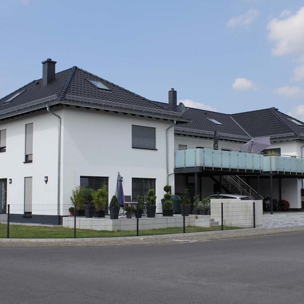 Neubau 4-Familienwohnhaus mit Tiefgarage
