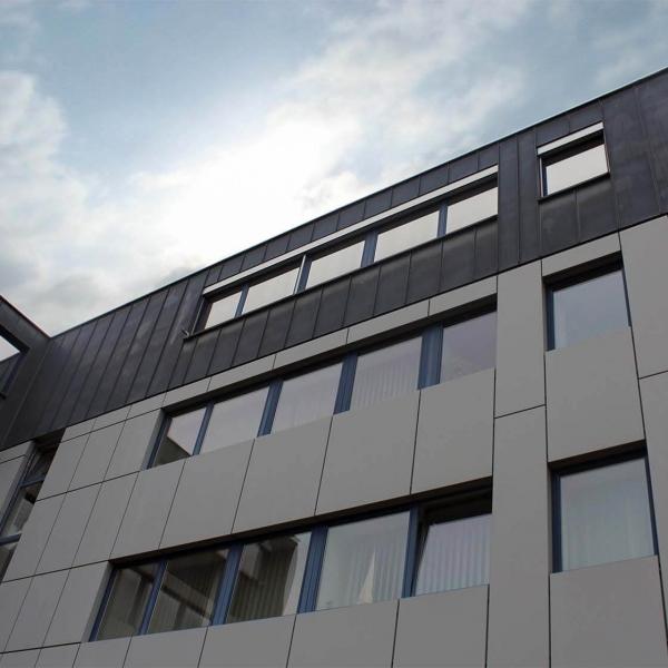 Umbau eines Bürogebäudes in ein Kunden-Servicecenter